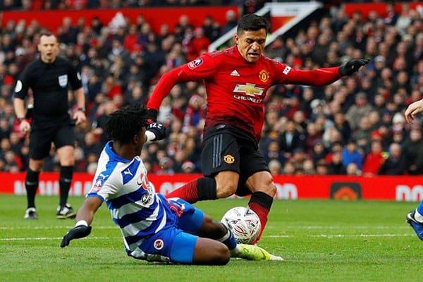Karier Sang Pemain Alexis Sanchez Dikabarkan Akan Berakhir Di Club Skuat Manchester United