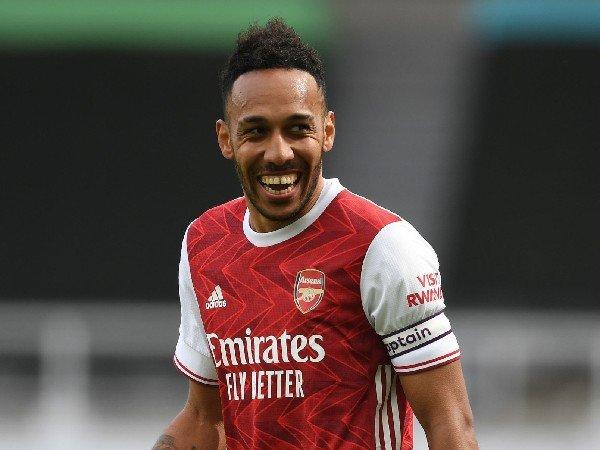 Covid 19 Alasan Arsenal Tidak Menurunkan Aubameyang Dan Lacazette